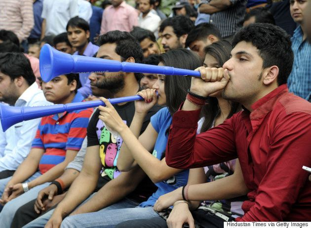 World Cup 2015: India Throws Weight Behind Its Cricket Team After