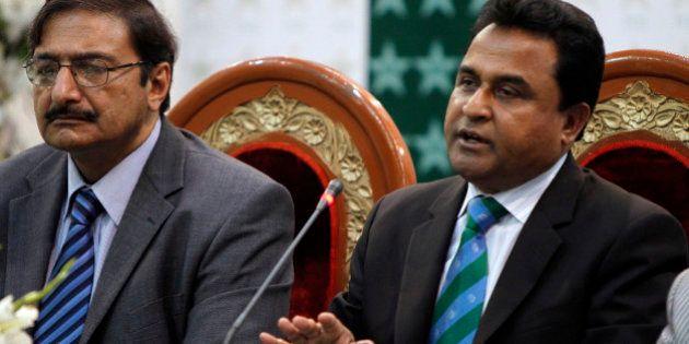 Bangladesh Cricket Board President Mustafa Kamal, right, speaks as Pakistan's Cricket Board Chairman...