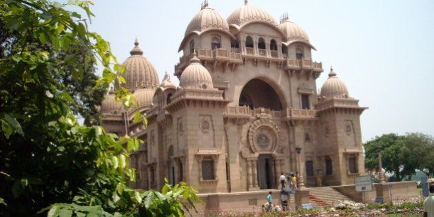 From the Dakshineshwar temple, we were taken to the Belūr Maṭh or Belur Mutt. This is the headquarters...