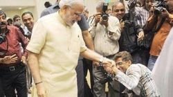 When PM Narendra Modi Lent A Helping Hand To A Photo