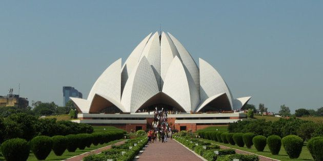 Delhi S Iconic Lotus Temple Turning Yellow Due To