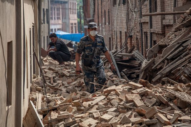 Nepal Earthquake: Rescuers Dig For Survivors As Toll Exceeds 2,200, Big Aftershock