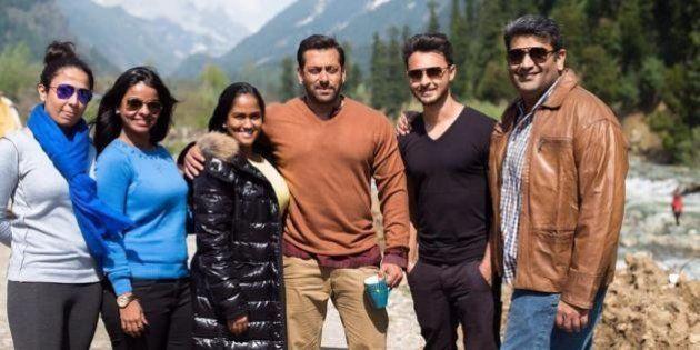 Salman Khan Bonds With Sister Arpita On 'Bajrangi Bhaijaan'