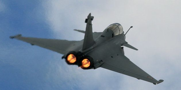 A Rafale jet fighter performs a demonstration flight in Merignac near Bordeaux, southwestern France,...