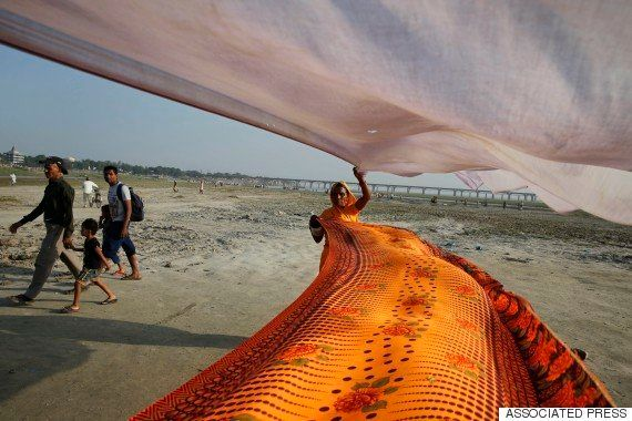 Every Woman Must Have A Kanjeevaram Or A Banarasi Sari In Her Wardrobe, Says Vidya
