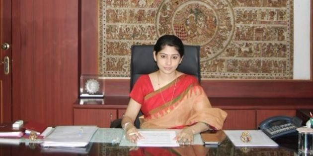 IAS Officer Smita Sabharwal Sends Legal Notice To Outlook For Sexist Article Calling Her 'Eye