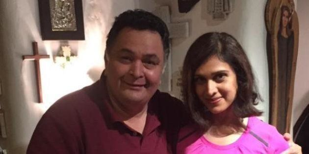 Rishi Kapoor Tweets Picture Of Himself With A Barely Recognisable Meenakshi