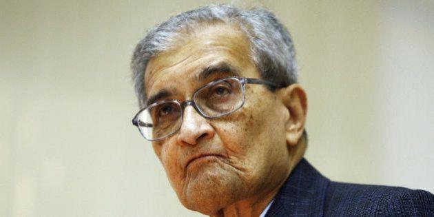 Indian Nobel Laureate in Economics Amartya Sen delivers a lecture at Delhi University in New Delhi, 18...