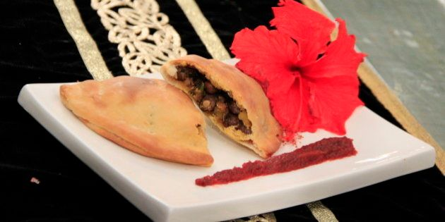 Learn How To Make A Pindi Chhole Calzone