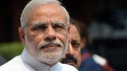 WATCH: Modi Looks Right And Then Left To Duck Questions From