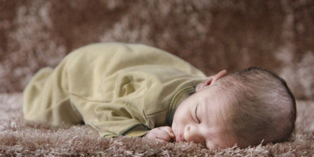 HelloI tried here to take shots for a newborn using window daylight, sadly I've failed somehow because...