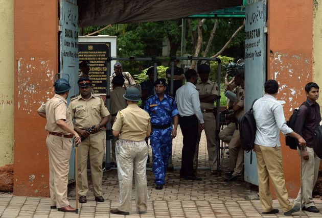 Yakub Memon Buried Amid Tight