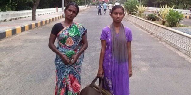 Chennai Morning Walkers Pool In Money To Fly College Girl Who Lost Her Way And Ended Up In