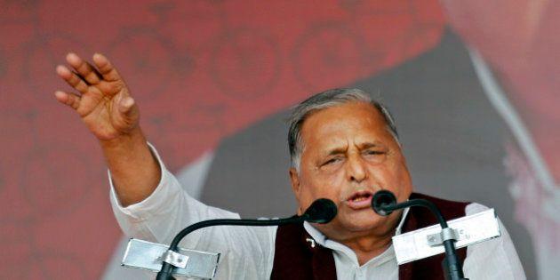 "Samajwadi Party President Mulayam Singh Yadav addresses a public rally ""Desh Banao, Desh Bachao"",..."
