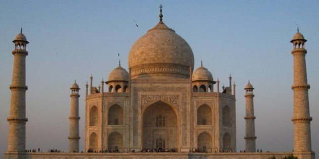Taj Mahal To Get A Mud Pack Makeover To Clean Up Yellowing