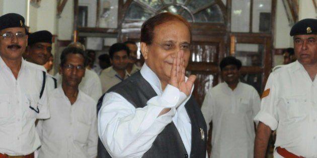 LUCKNOW, INDIA - SEPTEMBER 18: Samajwadi Party Minister Azam Khan comes for Vidhan Sabha session on September...