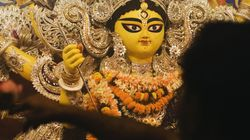 Kolkata Police Bars Entry Into Deshapriya Park To See City's Tallest Durga