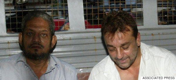 Rajkumar Hirani Will Not Remove Underworld From Sanjay Dutt's