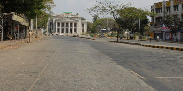 INDIA - FEBRUARY 12: A 12-hour Karnataka bandh called by pro-Kannada outfits to protest the award of...