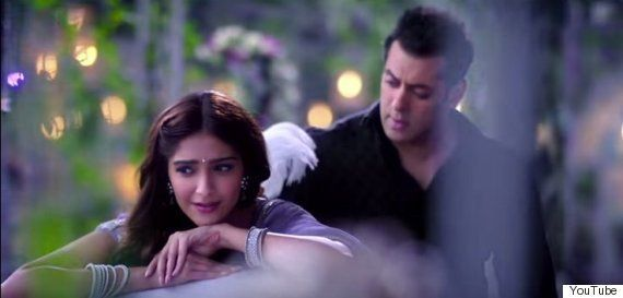 Sonam Kapoor In 'Prem Ratan Dhan Payo' Will Convince You To Never Fancy A Royal