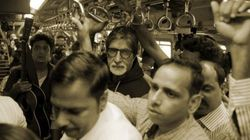 A Crowded Mumbai Local Had An Unexpected Encounter With