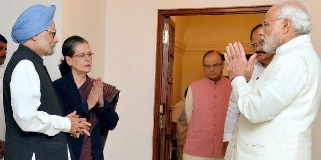 PM Modi Meets Sonia Gandhi, Manmohan Singh To Break Deadlock Over GST