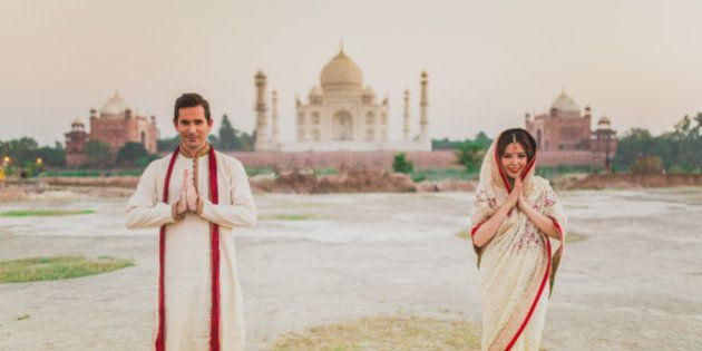 PHOTOS: This Bollywood-Style, Taj Mahal Photoshoot Of Couple From Hong Kong Is Everyone's