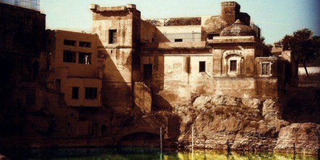 Pakistan To Renovate Hindu Katas Raj Temples Near
