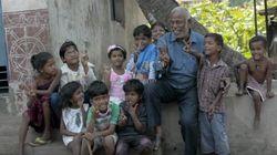 This Chai Wallah Who Teaches Slum Kids Is Everyone's