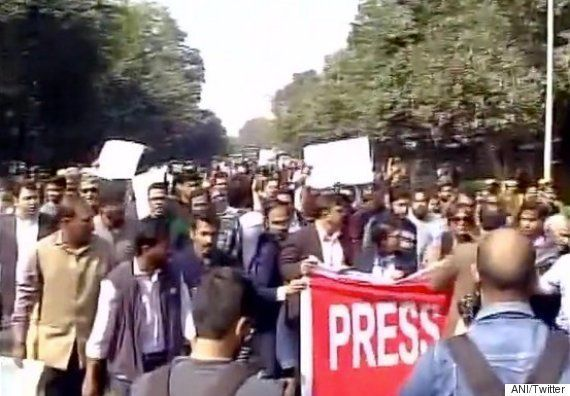 Journalists March To SC In Protest Against 'Manhandling' Of Reporters At Patiala House