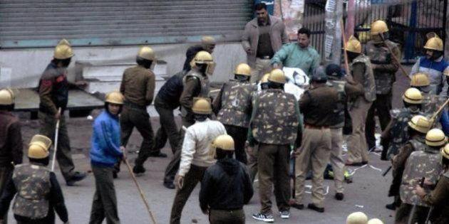 One Dead, 21 Injured As Jat Protestors Set Haryana FM's House On