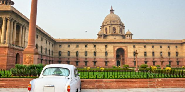 Rashtrapati Bhavan . Large imperial building in New