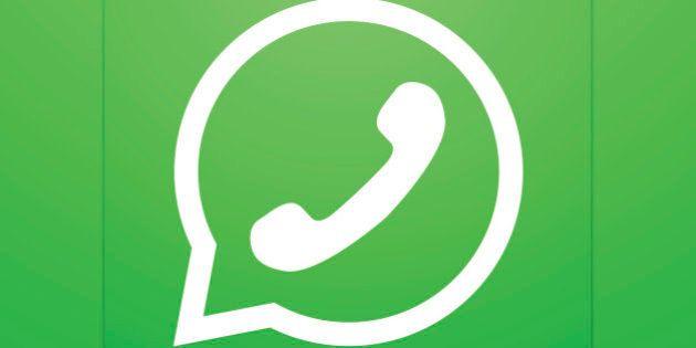 Vector modern phone icon in bubble speech