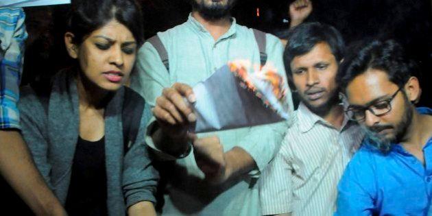 ABVP Rebels Burn 'Manusmriti' Copies In