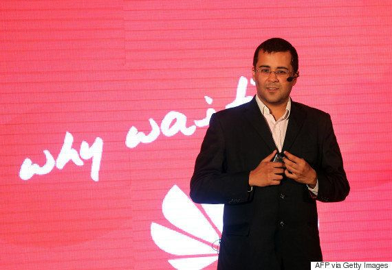 Shah Rukh Khan Can Teach Chetan Bhagat A Thing Or Two About Writing Women's Day