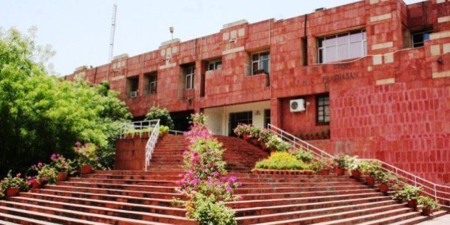 Here Are India's Top 10 Universities, Engineering And Management Institutes According To Govt