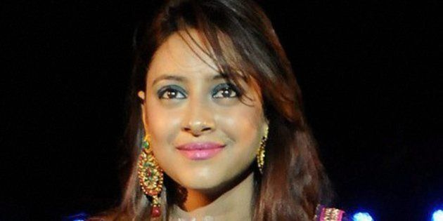 Upset With Pratyusha's Suicide, A Fan Of The Star Kills Herself In Front Of 2-Year-Old