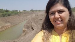 Pankaja Munde Is Getting A Lot Of Hate Online For These 'Drought Selfies' In Parched