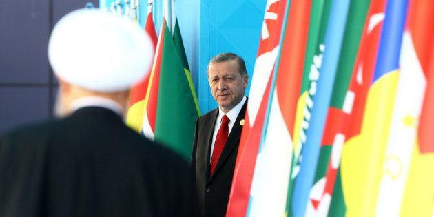 ISTANBUL, April 14, 2016 : Turkish President Recep Tayyip Erdogan, right, attends the welcoming ceremony...