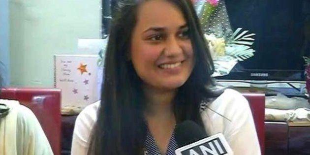UPSC Results 2015: Delhi's Tina Dabi Tops Exam, Kashmir Man Comes