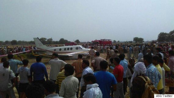 Air Ambulance Crash Lands Near Najafgarh, 5