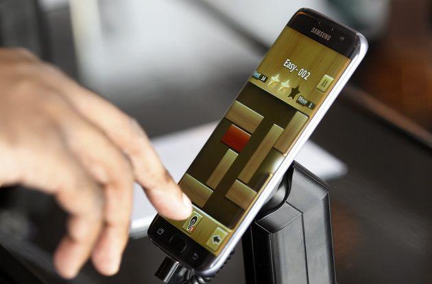 Smartphone Trends: Flexible Displays Are