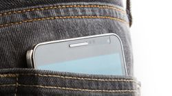 Pocket Friendy: 6 Small And Cheap Mobile