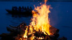 After His Son Refused, A Muslim Woman Lit The Funeral Pyre Of A Hindu