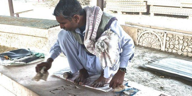 In VHP's Workshop In Ayodhya, Artisans, Sandstone Columns Await An Uncertain