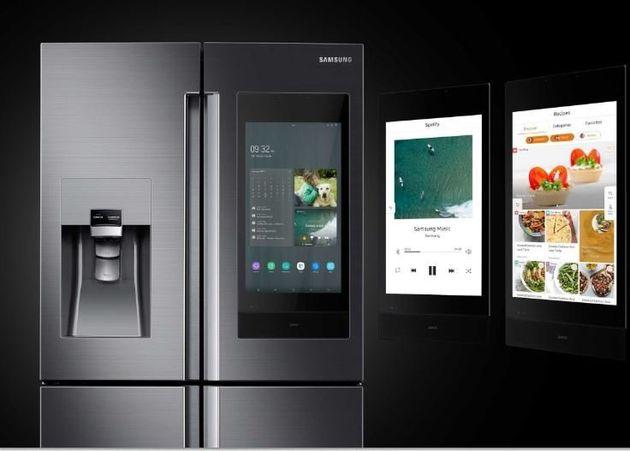 Family Hub: Το ψυγείο που σου λέει τι να φας, τι καιρό κάνει και καλεί