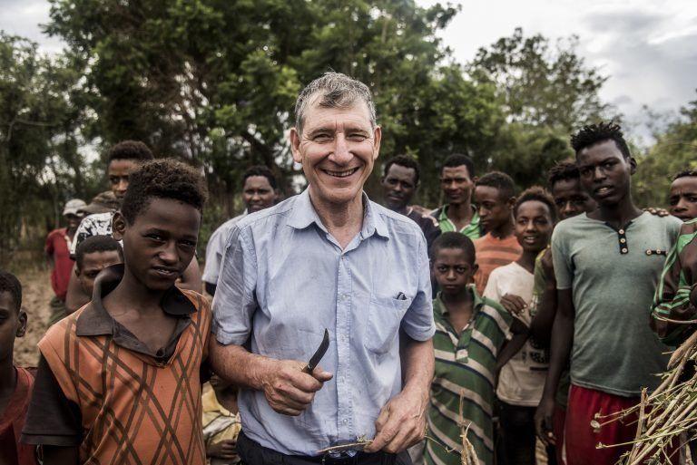 Immer mehr Bauern in Afrika lassen sich von der Wiederauffforstungs-Methode Rinaudos inspirieren.
