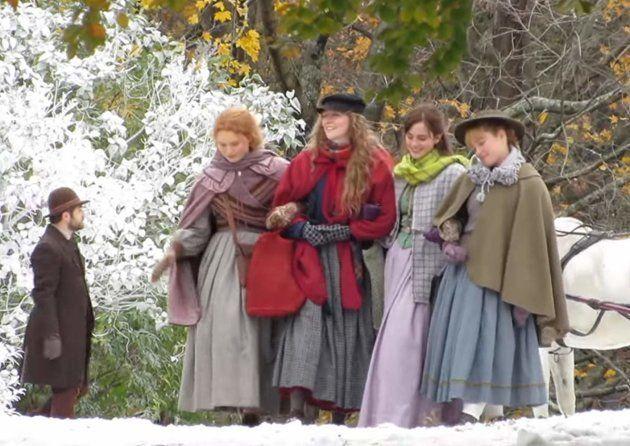 Emma Watson, Saoirse Ronan, Florence Pugh e Eliza Scanlen nas filmagens de