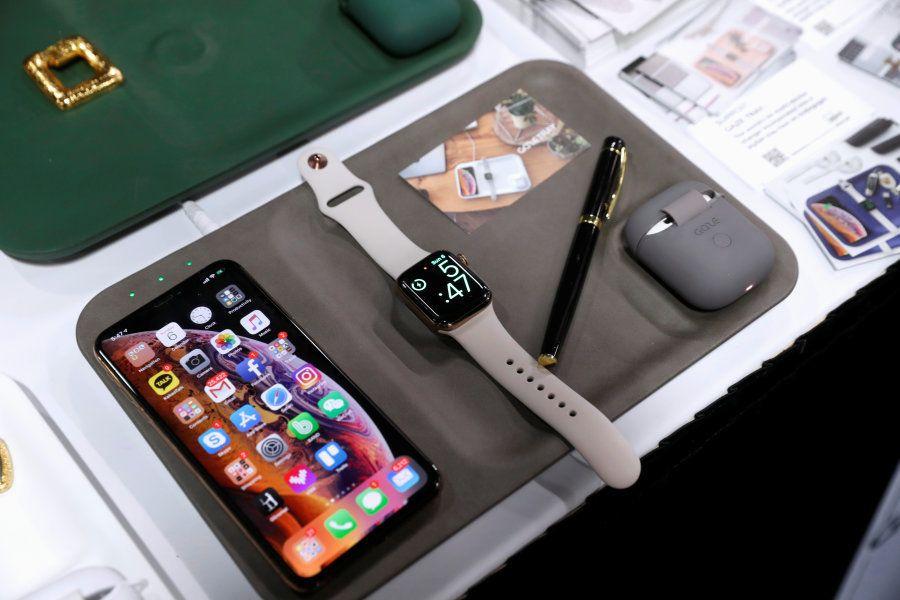 Bandeja carrega série de dispositivos ao mesmo tempo por meio de tecnologia