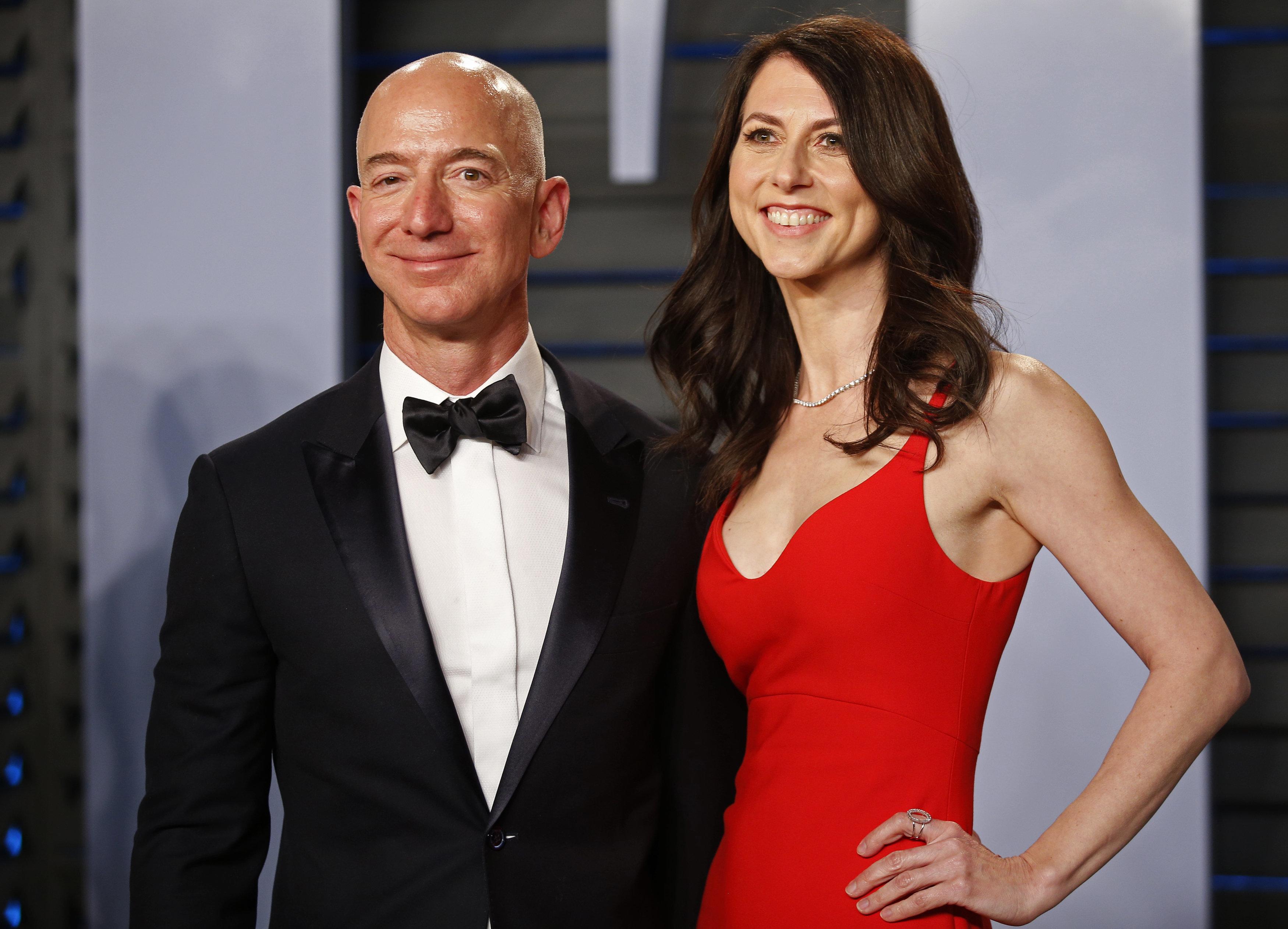 Amazon CEO Jeff Bezos, Wife MacKenzie To